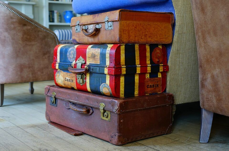 Travel Smart: What You Should Always Pack in Your Carry on Luggage