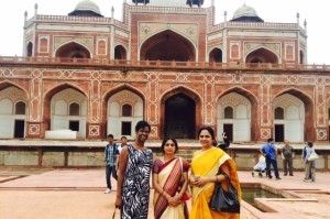 India trip  group pic tomb